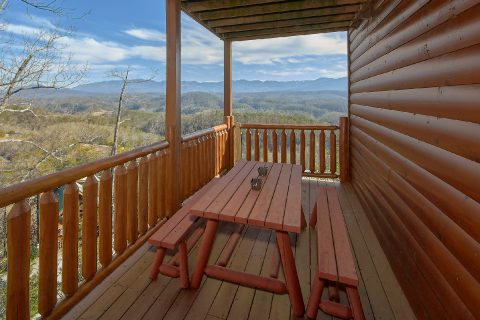 Spectacular Views 4 Bedroom cabin Sleeps 14 - On The Rocks