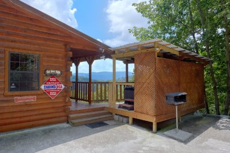 Lil Country Cabin: 2 Bedroom Sevierville Cabin Rental