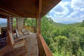 Luxurious 2 Bedroom Cabin with Mountain View