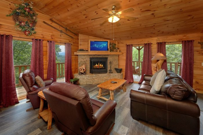 Premium Cabin with Fireplace and WIFI - One More Night