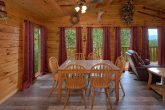 Cabin with 2 Bedrooms and Dining Room for 6