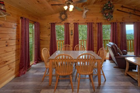 Cabin with 2 Bedrooms and Dining Room for 6 - One More Night