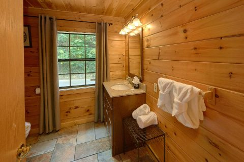 2 bedroom Cabin with 2 Private Bedrooms - One More Night