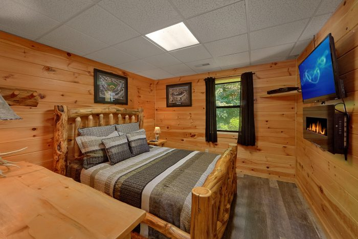 Cabin Large Bedrooms and Flat Screen TV's - One More Night