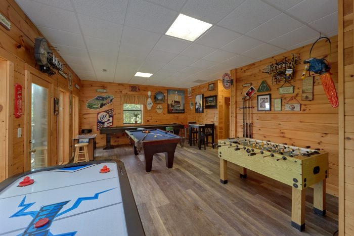 Secluded Cabin with Large Game Room - One More Night