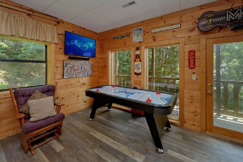 Game room with Many Game Tables 2 Bedroom - One More Night