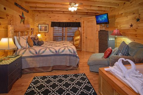 1 Bedroom Cabin with a King Bed - Our Happy Place