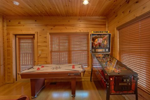 1 Bedroom Gatlinburg Cain with Large Game Room - Panorama