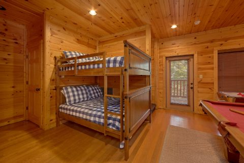 1 Bedroom Cabin Sleeps 8 with Extra Sleeping - Panorama