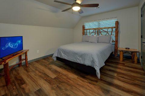 Indoor Pool 6 Bedroom Cabin Sleeps 17 - Patriots Point Retreat