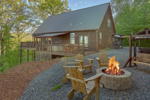 6 Bedroom with Fire Pit Sleeps 17 - Patriots Point Retreat