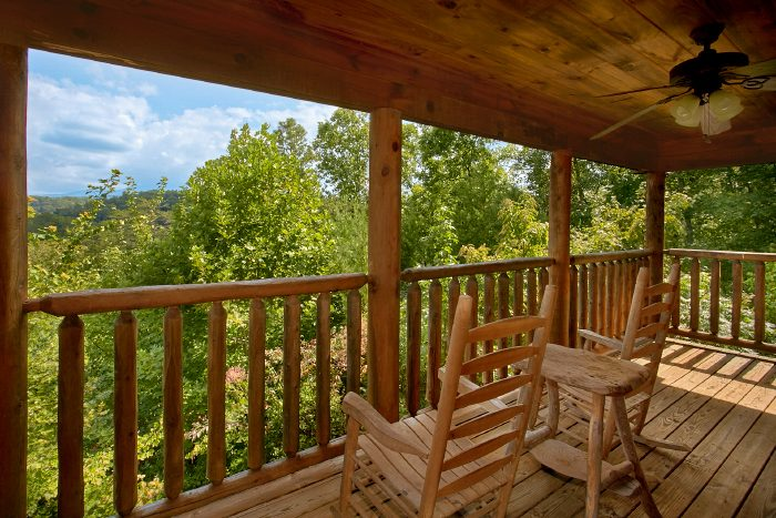 Featured Property Photo - Peek A View