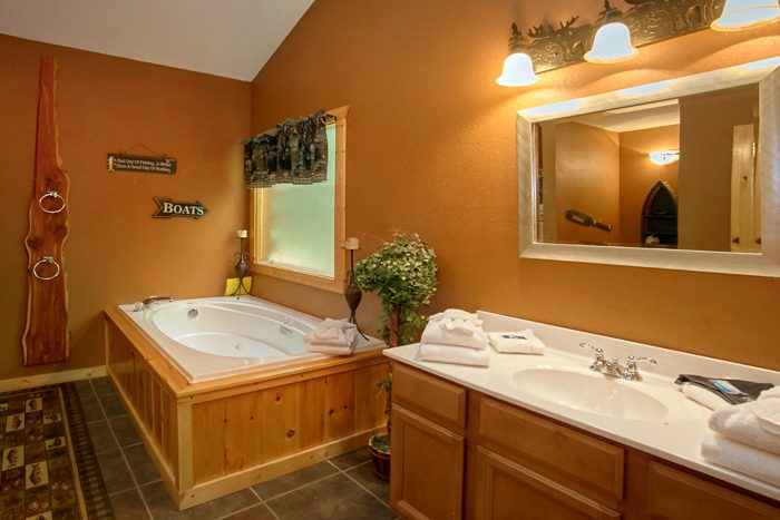 Master Bathroom with Jacuzzi - Pigeon Forge Hideaway