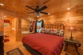 Rustic cabin with 2 master Bedrooms