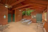 2 Bedroom Cabin with Resort Pool and Picnic Area