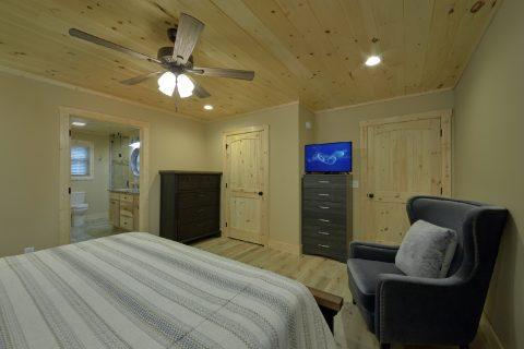 Beautiful Main Floor Bedroom - Pleasant View