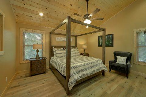 Top Floor Master Bedroom Room - Pleasant View