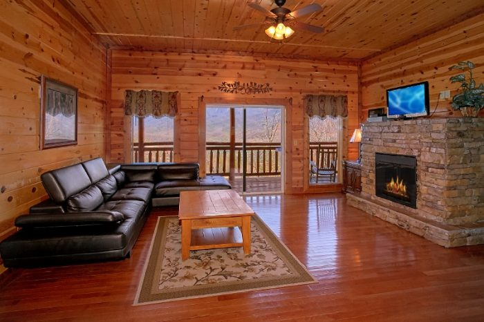 Premium 6 Bedroom Cabin with Fireplace - Pool and a View Lodge