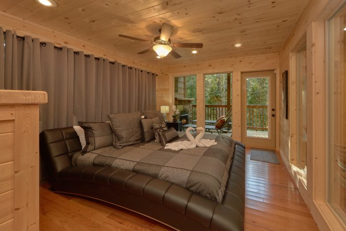 2 Bedroom Cabin with 2 Master Suites - Pool N Around