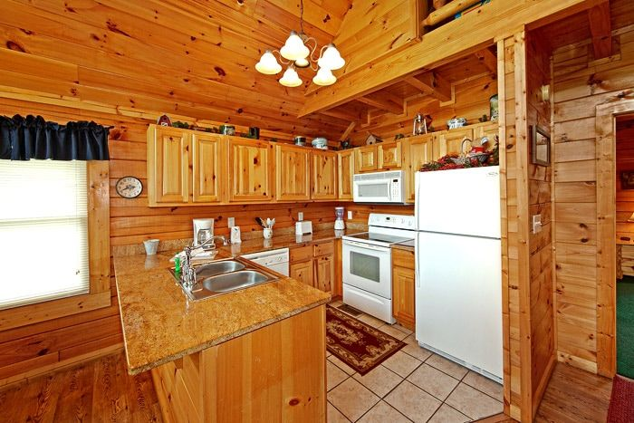 Fully Furnished Kitchen in Cabin - Poolside Cabin