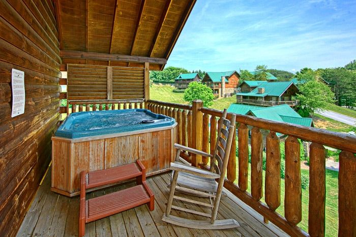 Spacious Deck with Hot Tub - Poolside Cabin