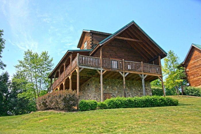 Great Cabin in Resort Area - Poolside Cabin