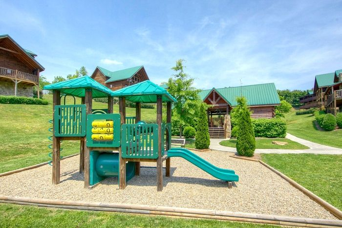 Cabin with resort playground - Poolside Cabin