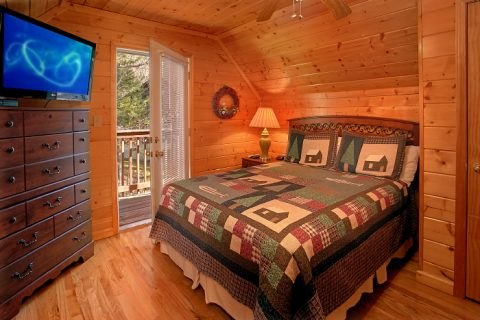 Spacious 6 Bedroom Cabin in Hidden Springs - Poolside Lodge 2