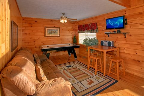 6 Bedroom Cabin with Extra Seating - Poolside Lodge 2