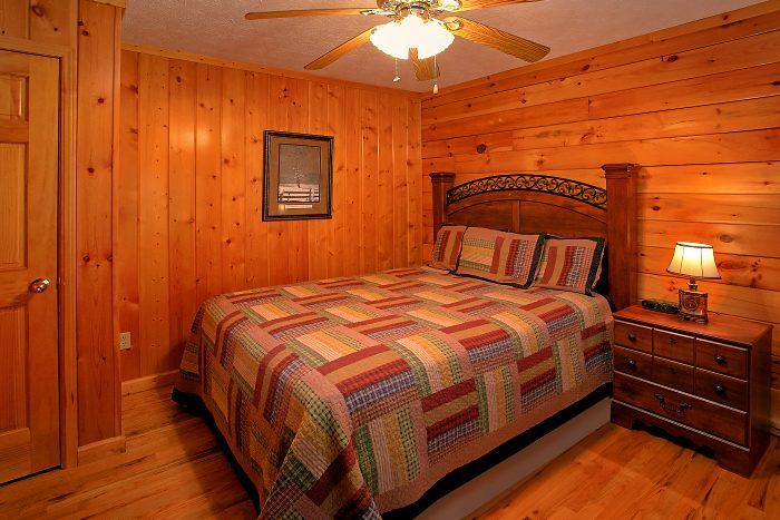 6 Bedroom Cabin Sleeps 16 in Hidden Springs - Poolside Lodge 2