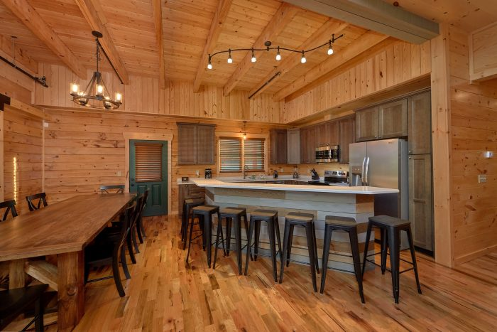 7 Bedroom Cabin with Large Kitchen and Bar - Poolside Lodge