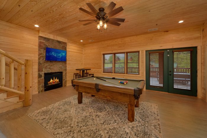 7 Bedroom cabin with Game room and pool table - Poolside Lodge