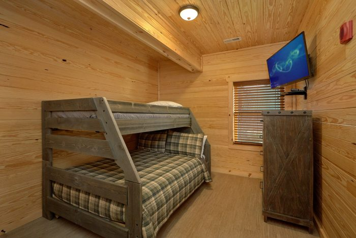 7 Bedroom cabin with Bunk Beds and washer/dryer - Poolside Lodge