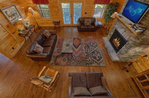 Large Open Space 6 Bedroom Cabin Sleeps 26 - Quiet Oak