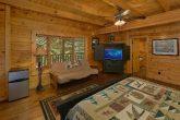 6 Bedroom Cabin with Main Floor Master Bedroom