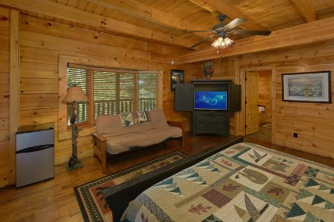 6 Bedroom Cabin with Main Floor Master Bedroom - Quiet Oak