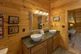 Spacious 6 Bedroom 5.5 BAth Cabin Sleeps 26
