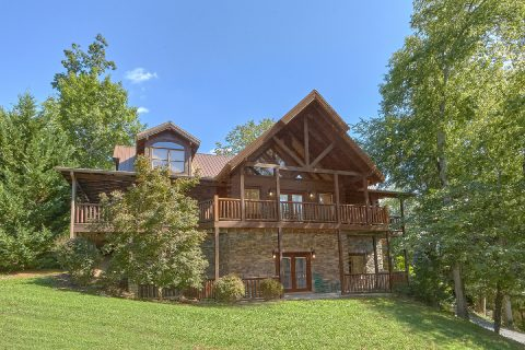6 Bedroom 5.5 Bath 3 Story Sleeps 26 Cabin - Quiet Oak