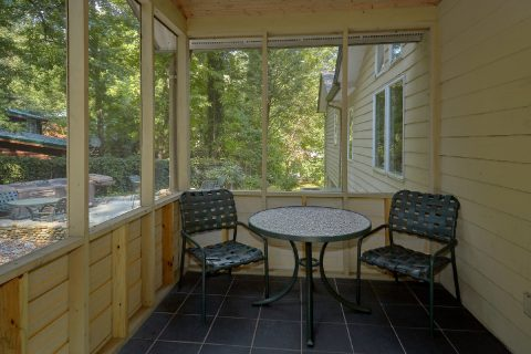 Screened in Porch with Outdoor Furniture - Quiet Time