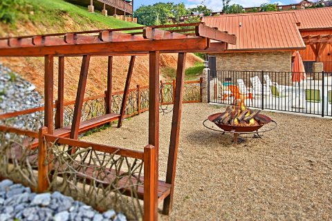 Cabin with Resort Firepit Access - Beckham's Bungalow