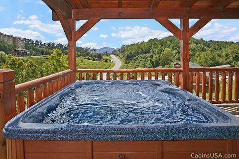 Beautiful Smoky Mountain Views from Hot Tub - R & R
