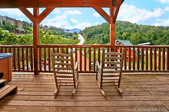 Beautiful Pigeon Forge Cabin Views - R & R
