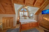 Cabin with King Size Master Suite