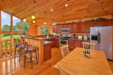 Cabin with Dining Seating for Family - Rest Assured