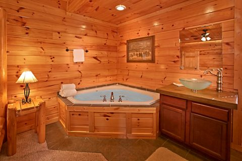 Jacuzzi in King Suite - Rest Assured