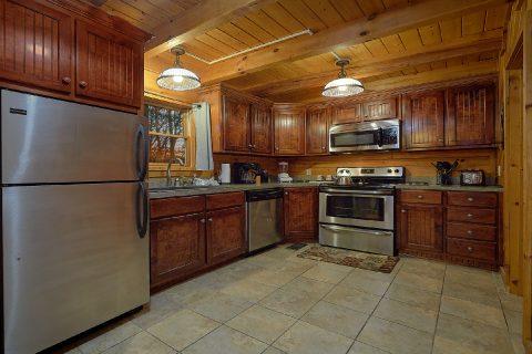 Beautiful 1 Bedroom Honemoon Cabin - Restin Easy