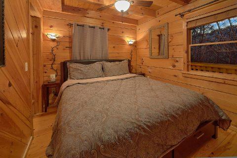 Cozy 1 Bedroom Honeymoon Cabin Sleeps 2 - Restin Easy