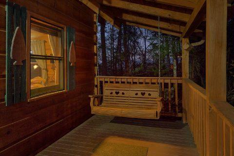 1 Bedroom Honeymoon Cabin with Swing - Restin Easy