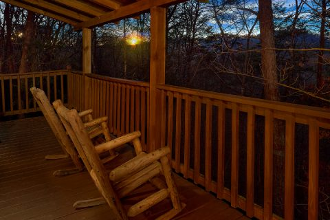 1 Bedroom with Covered Porch and Rocking Chairs - Restin Easy