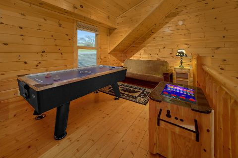 Spacious 2 Bedroom Cabin with Futon Sleeps 5 - Rippling River